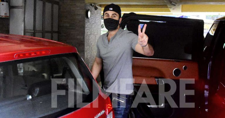 Photos: Ranbir Kapoor clicked heading for a dubbing session